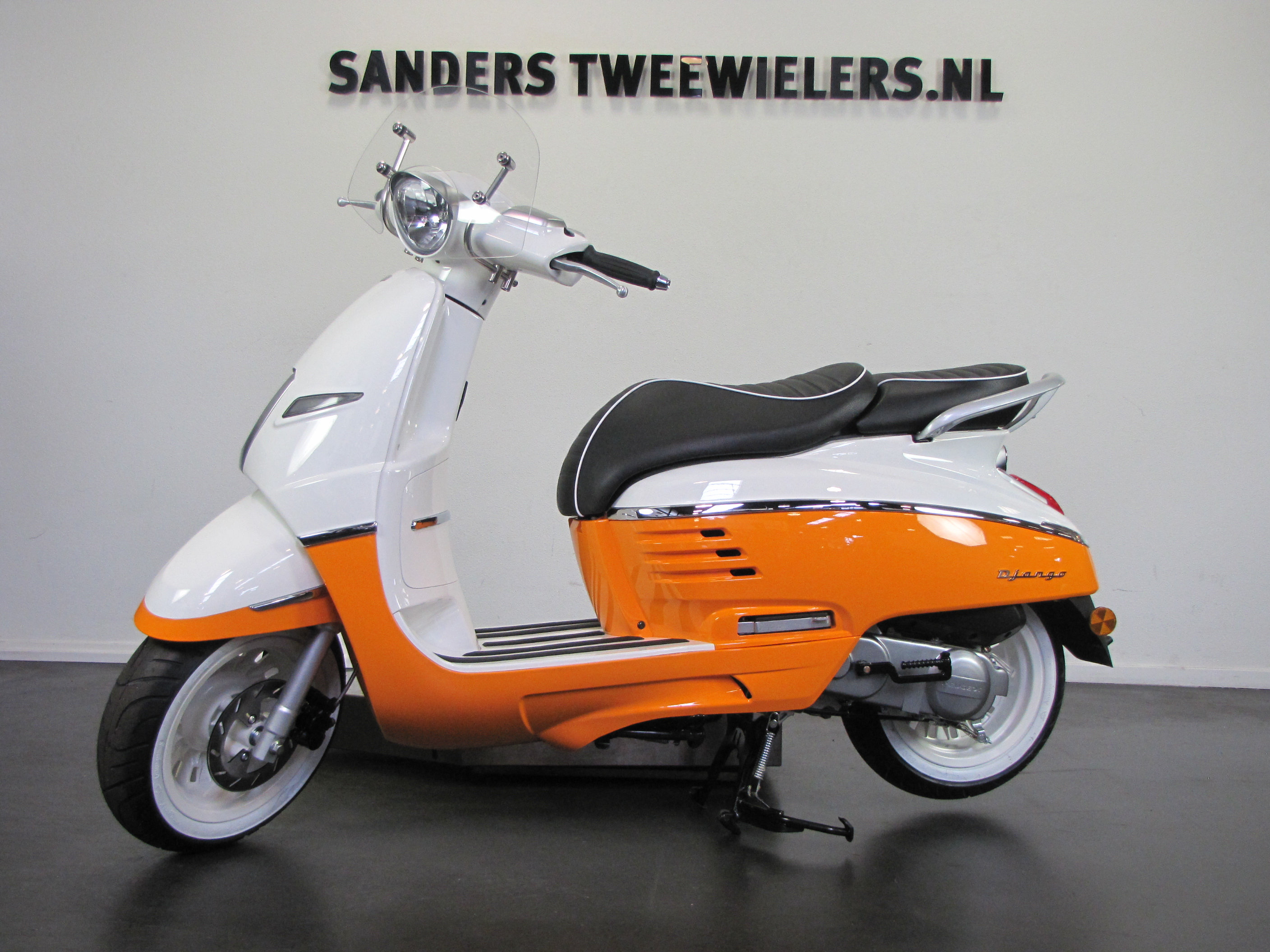 peugeot django scooter oranje vanaf 2998 bij sanders tweewielers. Black Bedroom Furniture Sets. Home Design Ideas
